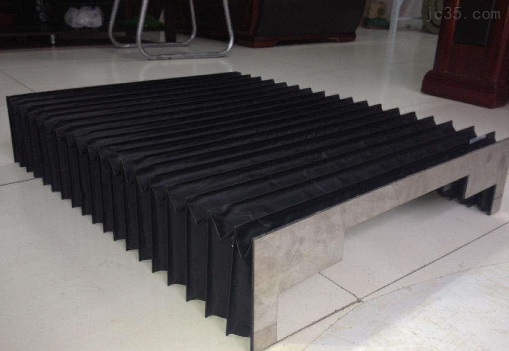 龙门五面加工中心伸缩导轨式风琴防护罩
