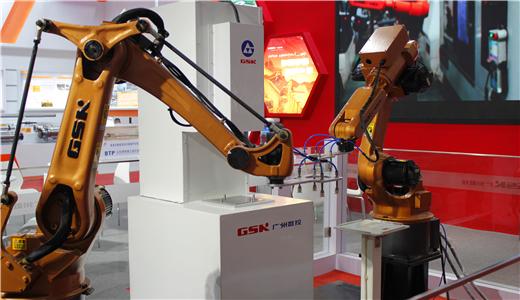 """工业机器人也需转型升级 国产机器人能否打好""""翻身仗""""?"""
