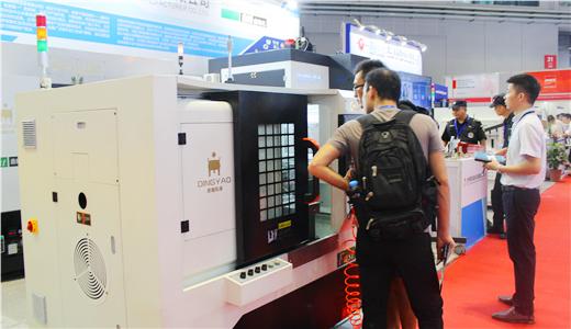寅马(鼎耀)自动化实力亮相上海工博会 开展第一天燃遍全场
